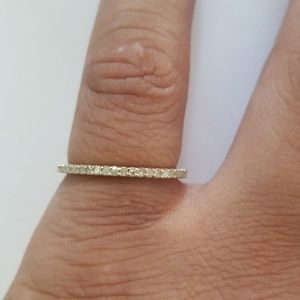 Yellow gold gem ring